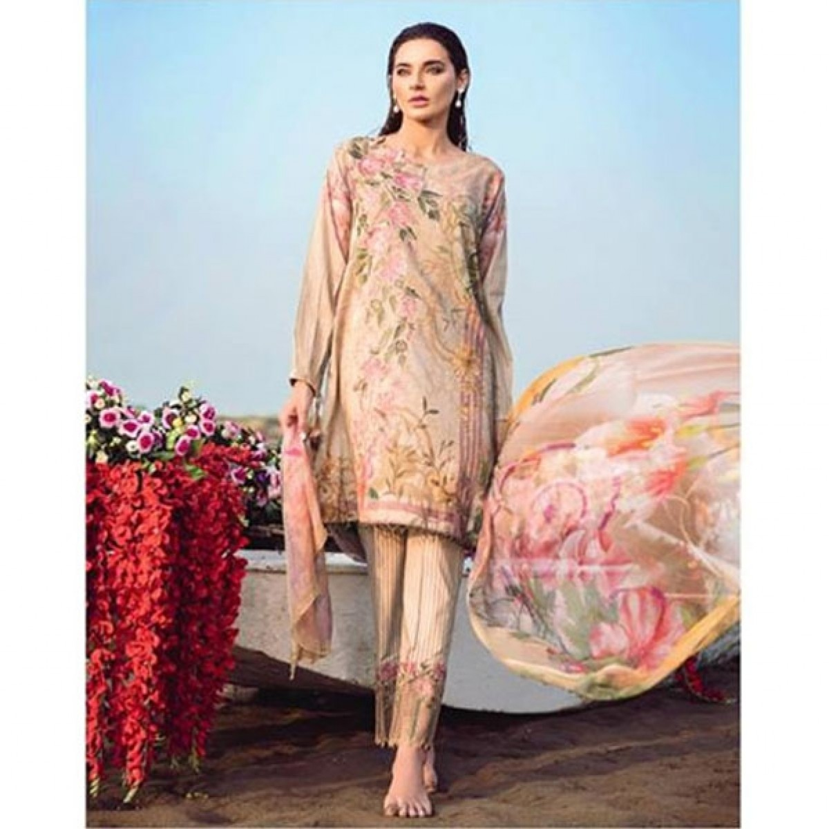 9b0d49e1e1 Iznik Chinon Women's Lawn Collection 2018 Price in Pakistan | Buy Iznik  Chinon Spinel Lawn Collection 2018 (D07) | iShopping.pk