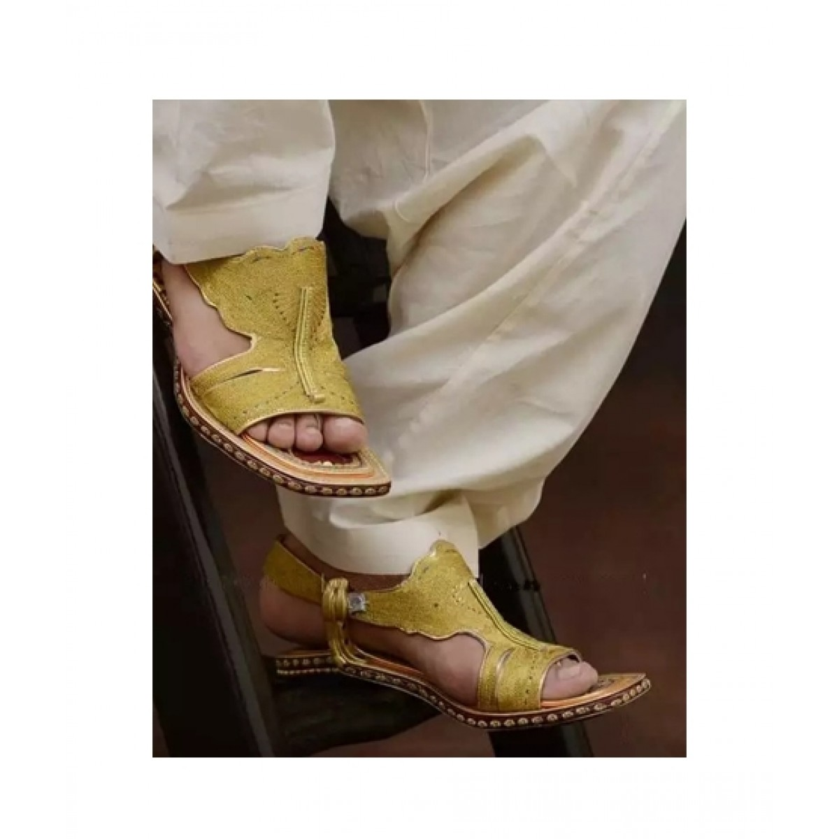 Nawabi Juta Golden Lawa Chappal For Men (0003)